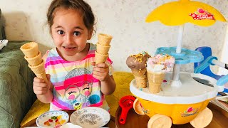 Yaren pretend play makes real ice cream !!