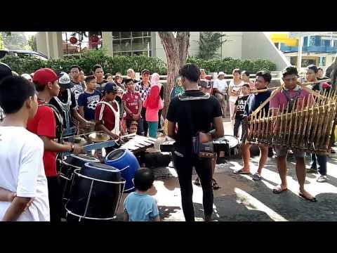 Cover Lagu Kolaborasi Musik Tradisional, Angklung-Gamelan-Gong-Drum STAFABAND