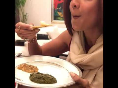 Shilpa Shetty eating Makke di Roti!!!