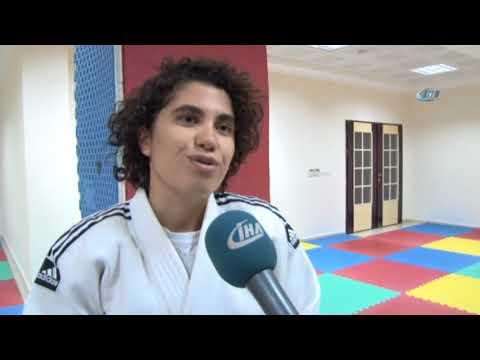 Hayatı Judo İle Değişen Örme Engelli Ayşegül'ün Hayali Öğretmen Olmak