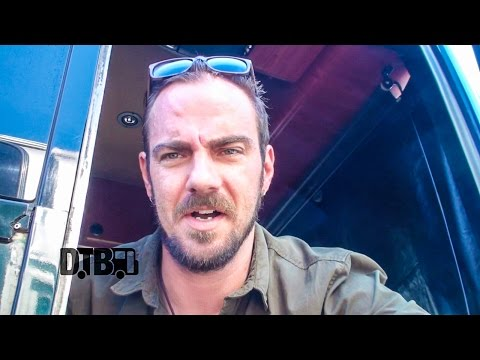 Saint Asonia - BUS INVADERS Ep. 877