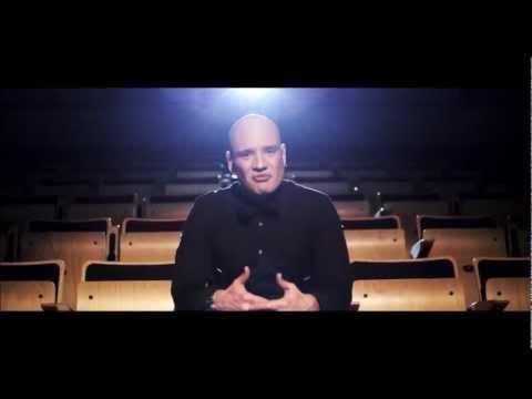 Clemens - Tog Det Som En Mand (feat. Nastasia) (Official Video)