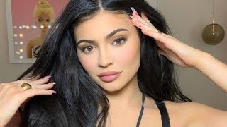 Kylie Jenner   How To Use My Eyeshadow Palettes Ft. Ariel Tejada