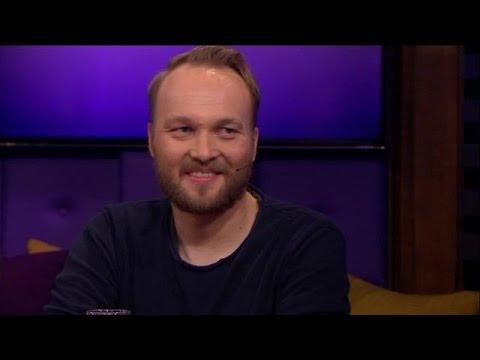Waarom schafte Arjen Lubach de eerste Faraodag af? - RTL LATE NIGHT