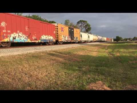 FEC TRAIN 202#3075@6:47pm w/6 locomotives&2 lng tenders