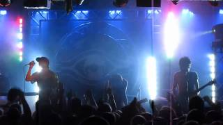 "Breathe Carolina ""Wooly"" Live"