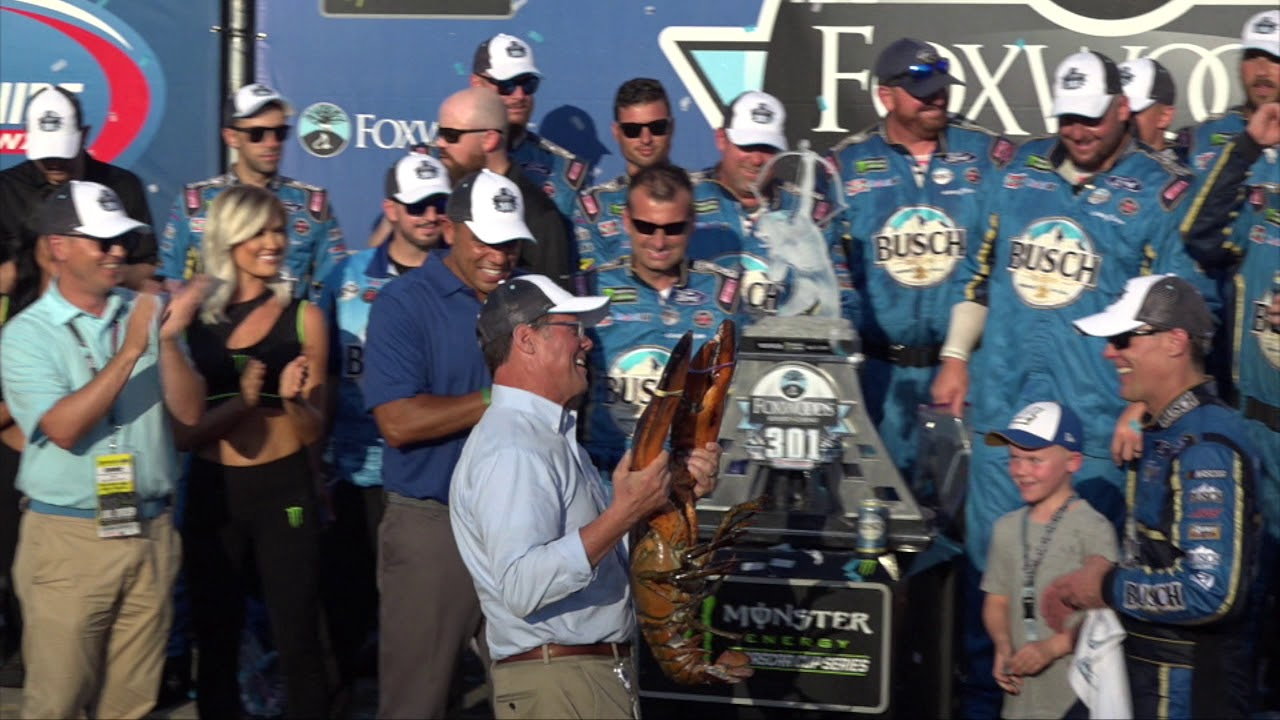 Kevin Harvick Wins Second Consecutive #Foxwoods301