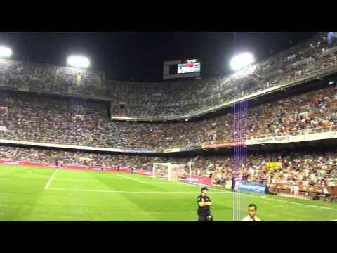 Crowd celebration Mestalla Stadium Valencia vs Barcelona Sep 2012