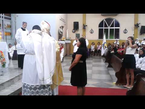 Posse de Padre Thiago Azevedo - Momento entrega da casula   | PASCOM PNSBI