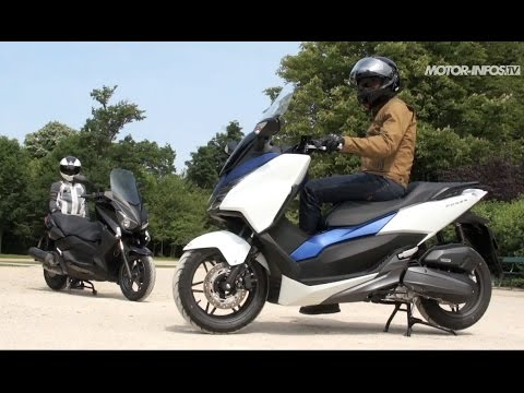 comparatif honda forza 125 vs yamaha x max 125 youtube. Black Bedroom Furniture Sets. Home Design Ideas