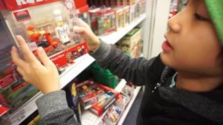 😱 BRAND NEW ROBLOX TOYS!!! Cash me outside at Toys R Us how bout dat??