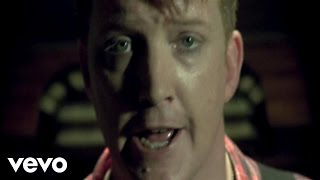 Queens Of The Stone Age - Sick, Sick, Sick