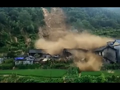 Ferocious Mountain Torrents Crash Down Houses in Hunan