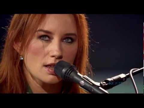 Tori Amos - Horses 3D HD Live