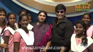 Actor Anandaraj Arranges Dhilluku Dhuddu Special Show For Childrens
