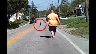 when-a-man-spotted-this-small-child-standing-on-a-busy-road-he-got-out-of-the-car-and-approached