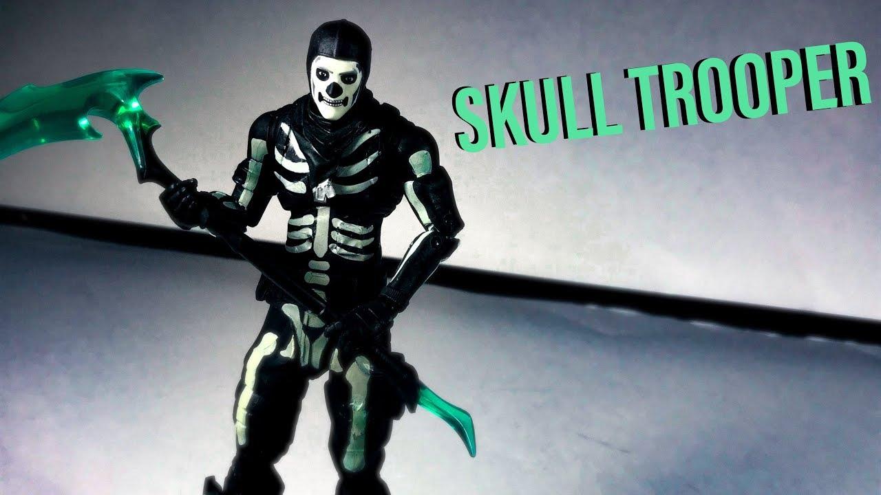 Fortnite Green Glow Skull Trooper Action Figure McFarlane Toys Brand New