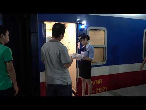 Train SE4 at Sai Gon Railway Station (2015)