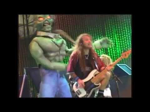 Iron Maiden - The clansman + The evil That Men Do - Rock in Rio 2001