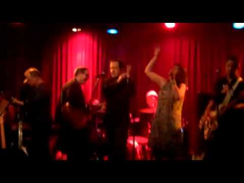Toby Weiss & Steve Carosello with Rough Shop-When You Walk In The Room