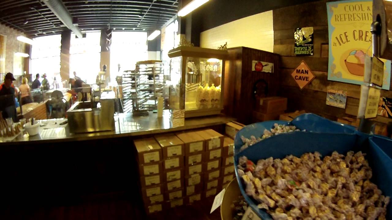 Savannah\'s Candy Kitchen of Nashville - YouTube