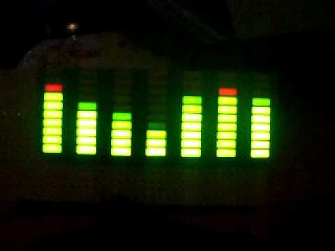 Spectrum analyzer with LM3915 & CD4051