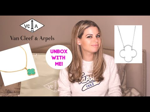VAN CLEEF & ARPELS Magic Alhambra Review + Unboxing - MOP & Green Malachite