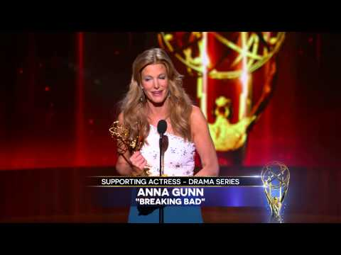 Anna Gunn Wins for Supporting Actress in a Drama Series