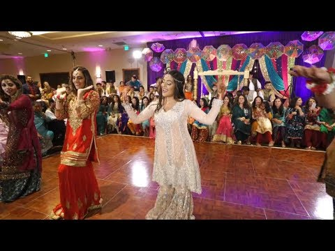 FaVeena Mehndi Groom Side Dance