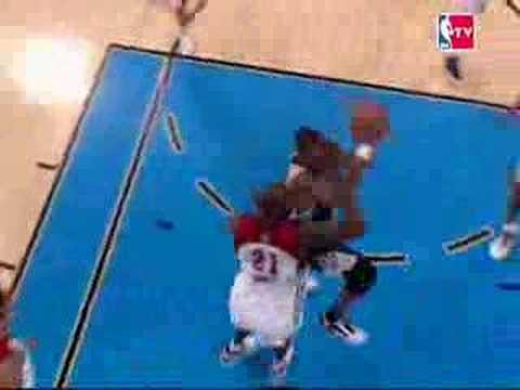 NBA All-Star 2007: Kevin Garnett swats Dwyane Wade
