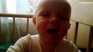 Ребёнок говорит мама