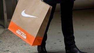 Jim Cramer Says Investors Should Buy Foot Locker Following Nike Downgraded
