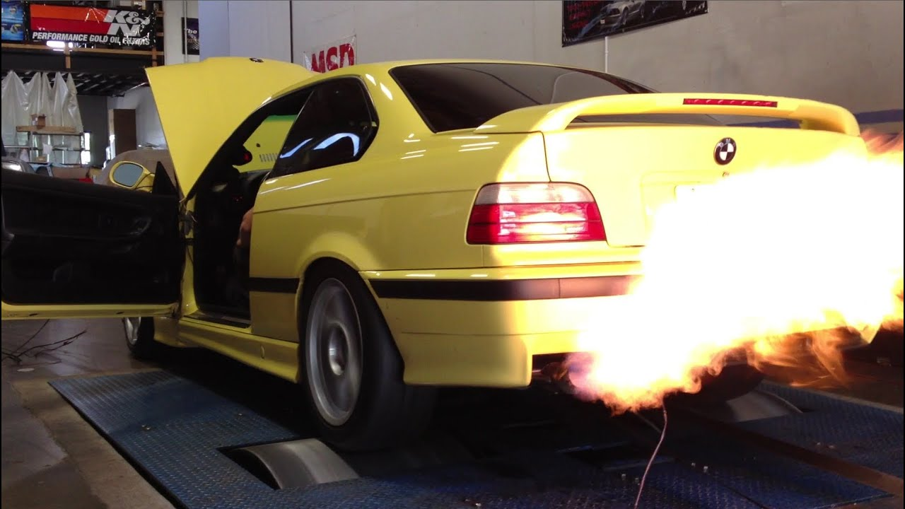Bmw Performance Exhaust >> Supercharged BMW M3 shooting flames out the exhaust on the ...