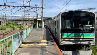 JR南武支線(浜川崎支線)浜川崎駅を発車.通過する列車。