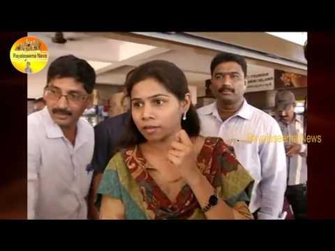 TDP Minister Bhuma Akhilapriya Checking Food Safety in Bhavani Iland Restarents