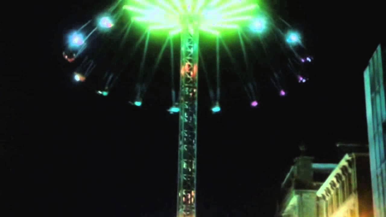 Psycho Swing Ride, Edinburgh Christmas Market, Edinburgh, Scotland ...