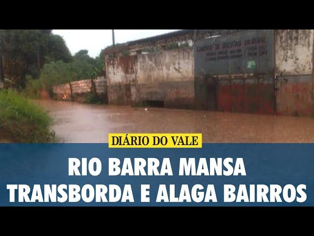 Rio Barra Mansa transborda e alaga bairros Nova Esperança, São Luiz e Boa Sorte