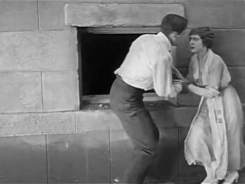 FUGA NELLE CONDUTTURE (The Nut, 1921)