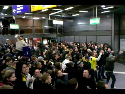 Schalke - Dortmund Derby 26.02.2010 Ankunft Sonderzug 2 am GE HBF