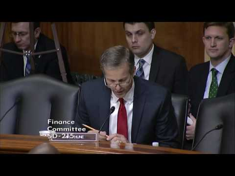Thune Questions Lighthizer on NAFTA in Finance Hearing