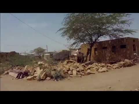 Walking through a desert village in Rajasthan, India (Khuri)