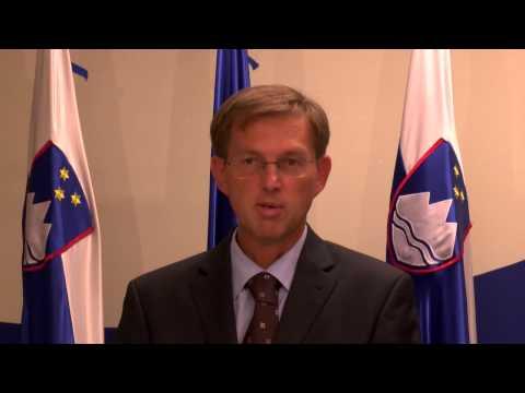 10.10.2014 Novinarska konferenca Vlade RS - Miro Cerar