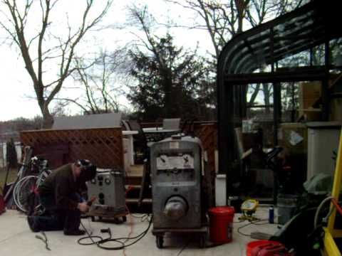 Lincoln SA-200 blackface welder with Continental F-163 engine, starts and  welds