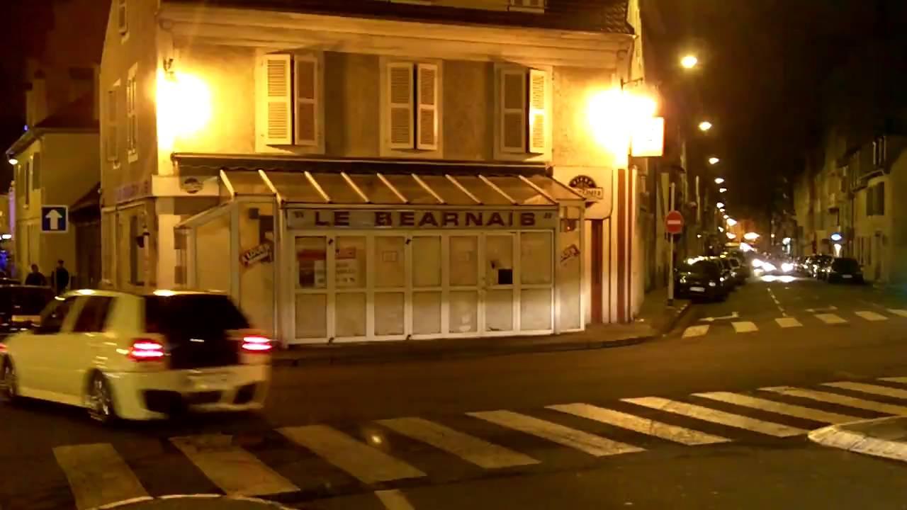 the triangle in pau france le garage bikini pinata and le bearnais youtube. Black Bedroom Furniture Sets. Home Design Ideas