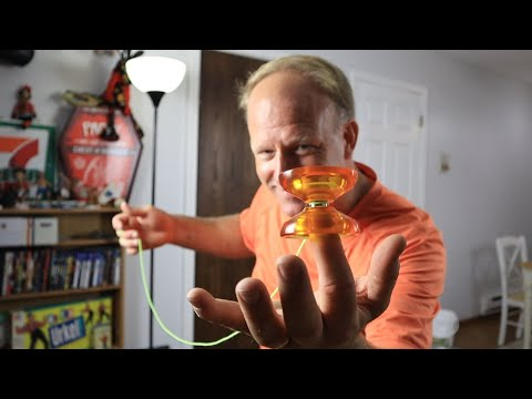 Dazzling Dave YoYo & Spin Top Trick Clip Video.