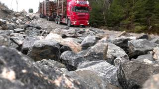 Scania R730 timber truck downhill