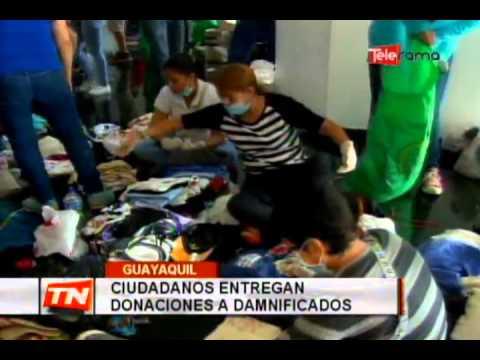 Ciudadanos entregan donaciones a damnificados