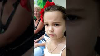 Девочка о КУРЕНИИ  Прямо в банке обьяснит людям что это  Смешные дети