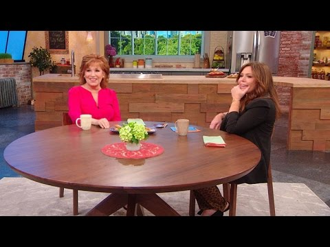 Joy Behar Dishes on Her 'View' Co-Hosts Becoming Like 'Annoying Siblings'