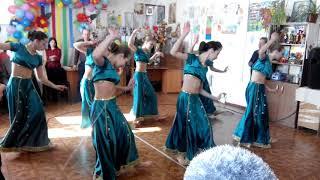 Индийский танец на 8 марта